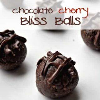Chocolate Cherry Bliss Balls |www/flavourandsavour.com #healthysnack #energyballs #proteinballs
