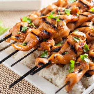 Easy Thai Chicken Skewers. Just marinate and grill! All my favourite Thai flavours. Paleo, too! |www.flavourandsavour.com