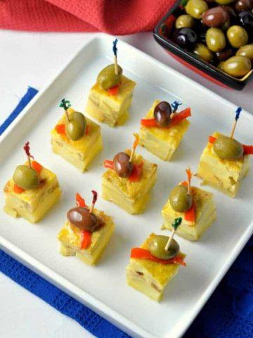 Tortilla Espanola, Spanish tapas |www.flavourandsavour.com