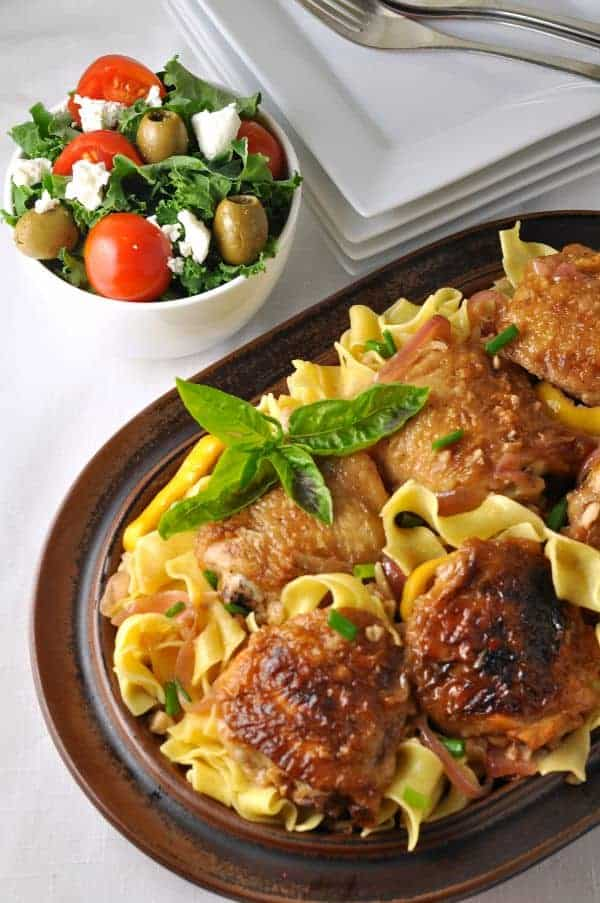 Lemon Garlic Chicken with Pasta and Herbs, one of 10 recipes starring lemon. Easy family dinner with ingredients you already have in your panttry. |www.flavourandsavour.com