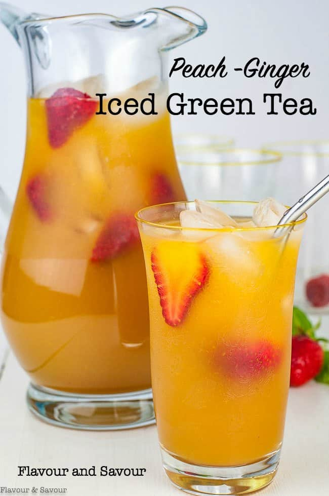 This Peach Ginger Iced Tea is a refreshing glass of iced green tea, sweetened with fresh peaches and flavoured with ginger. A healthy vegan and paleo beverage, perfect for a hot summer day. #greentea #peach #ginger #iced_tea #vegan #paleo