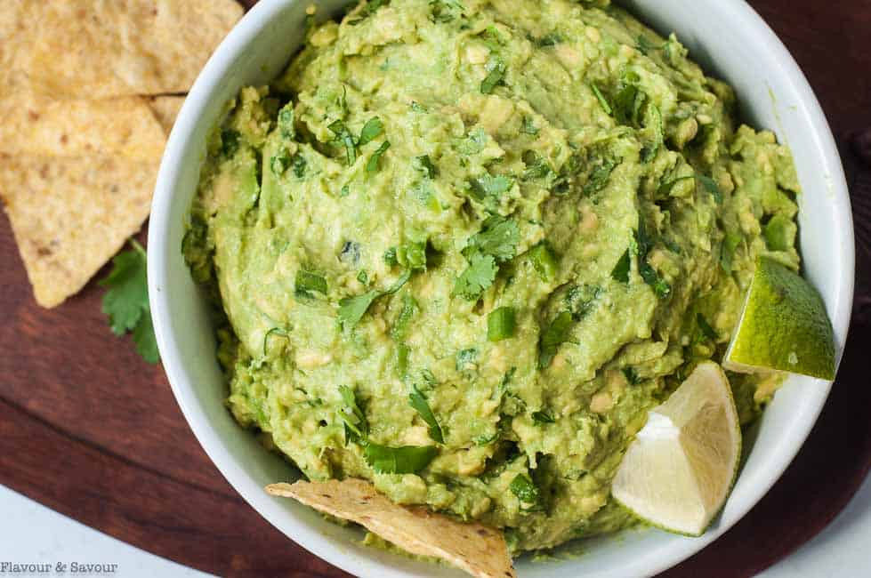 Quick Chunky Authentic Guacamole