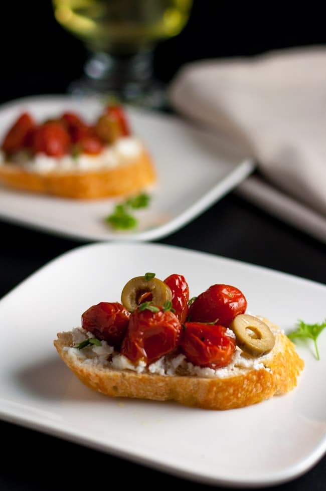 5 Tips for Making Crostini. Roasted Tomato and Goat Cheese with Olives and Thyme. Make perfect crostini every time. |www.flavourandsavour.com