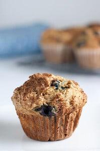 Healthy Low-Fat Blueberry Banana Muffins. Skinny! www.flavourandsavour.com