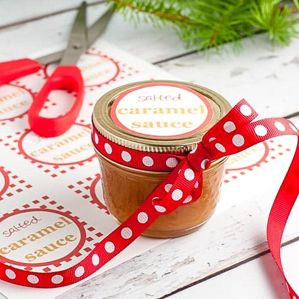 Salted Caramel Sauce with downloadable, printable gift tags for holiday gift-giving. |www.flavourandsavour.com