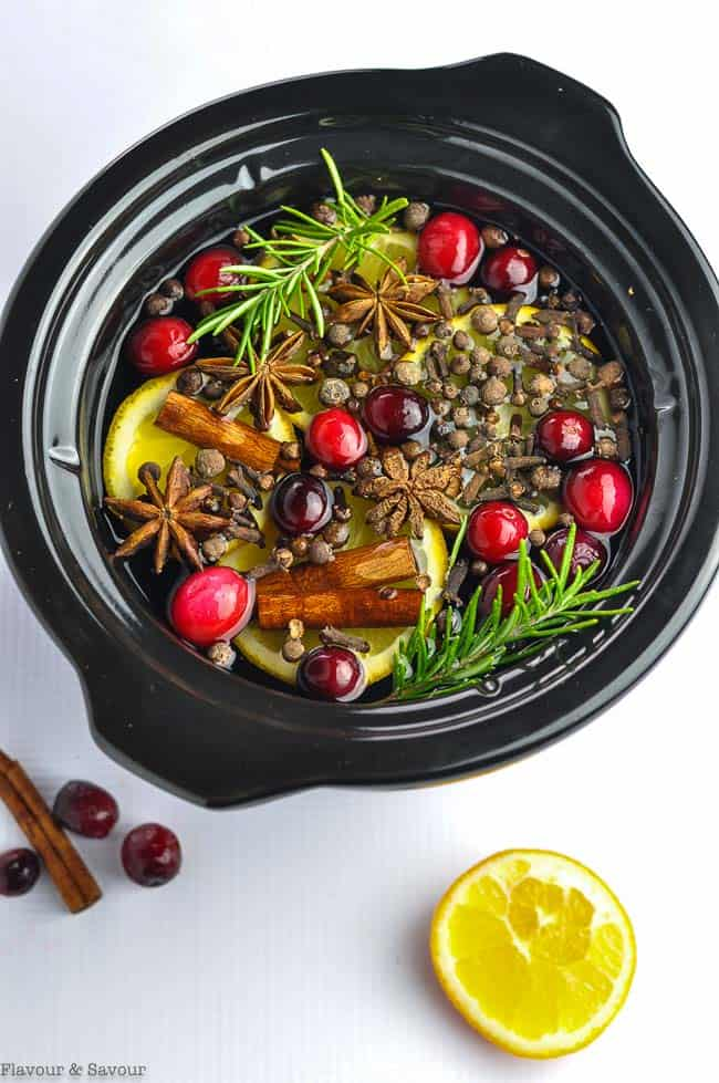 Slow Cooker Simmering Holiday Potpourri