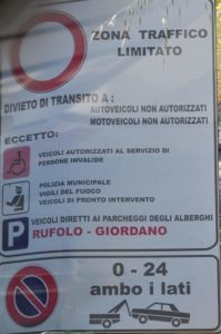 Tips for Driving in Italy from Flavour and Savour Parking signs Zonz Trafrico Limitato