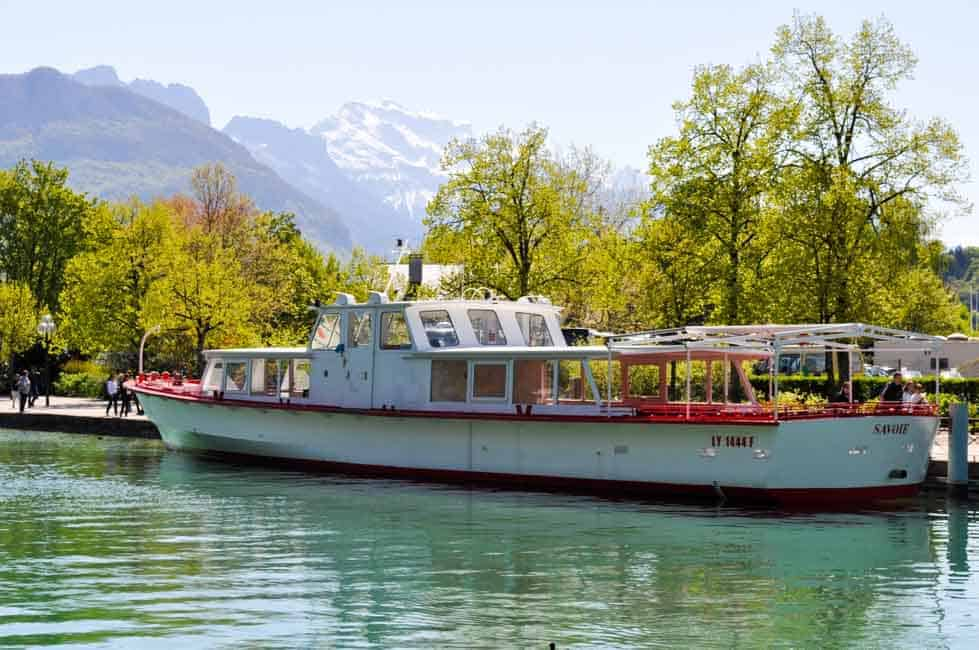 6 Things to Do in Annecy, France . Travel tips and suggestions for activities, restaurants and accommodation.  www.flavourandsavour.com