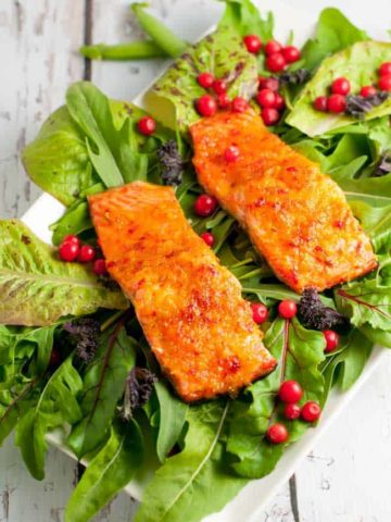This Citrus Chardonnay-Glazed Wild Salmon only needs 6 ingredients. It cooks in 10 minutes and is superb!  www.flavourandsavour.com