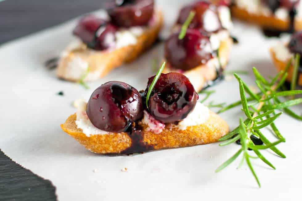 Roasted Cherry Goat Cheese Crostini with Honey and Balsamic Drizzle |www.flavourandsavour.com