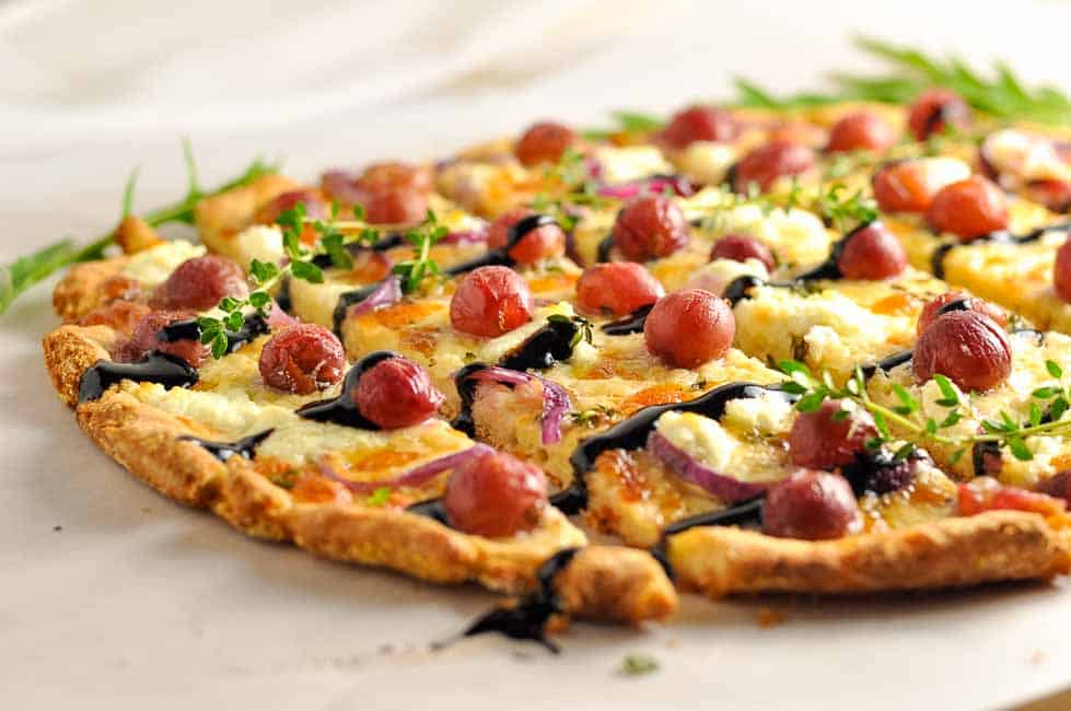 Roasted Grape goat cheese and Balsamic Pizza (gluten-free)|www.flavourandsavour.com