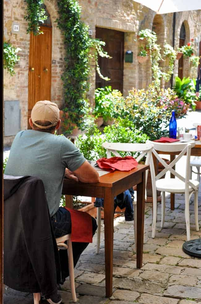 outdoor cafe in Pienza, Italy