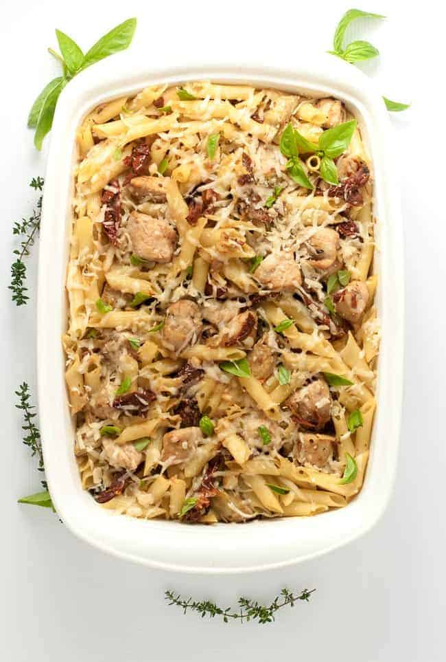 This Sun-dried Tomato Artichoke Penne Pasta has robust Italian flavours of tomatoes, artichokes, garlic and Parmesan cheese, all in one gluten-free pasta and chicken dish! |www.flavourandsavour.com