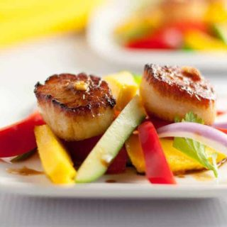 Seared Scallops with Mango Salad
