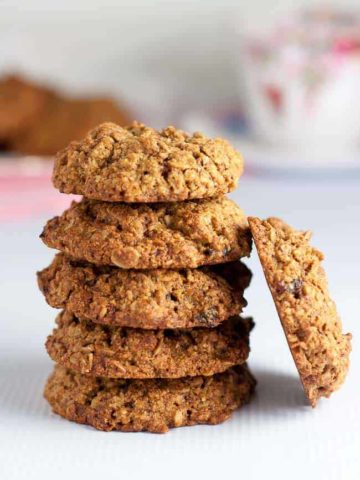 Gluten Free Cherry Coconut Oatmeal Cookies. Sweetened with low glycemic coconut palm sugar, these are a healthy option for cookie lovers! |www.flavourandsavour.com