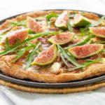 Fresh Fig, Prosciutto and Arugula Pizza