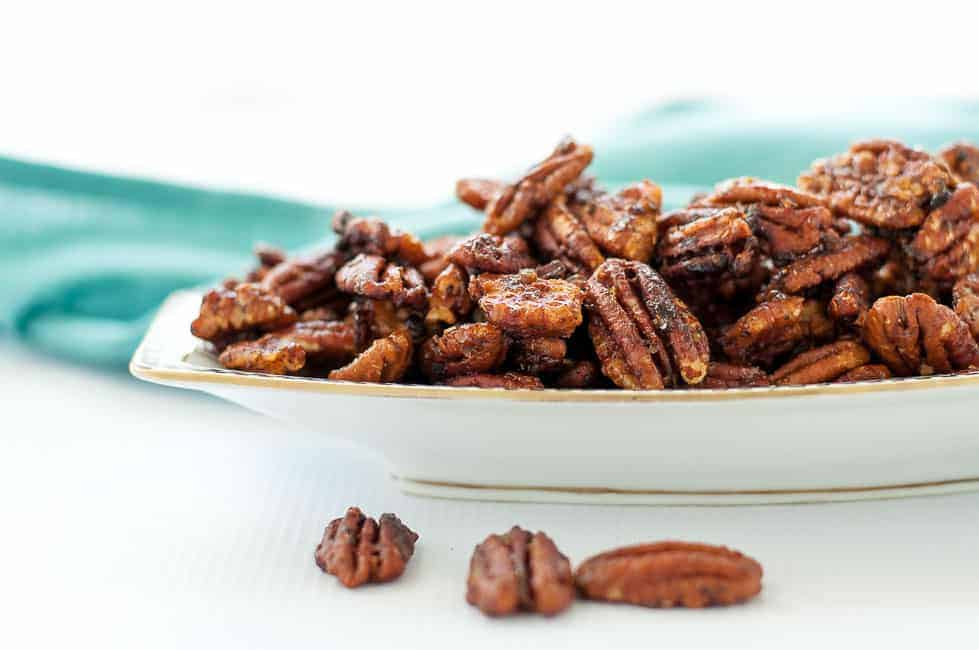 20-minute Caramel Spiced Pecans. Delicious as a snack, as a salad topper, or as a hostess gift! |www.flavourandsavour.com