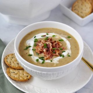 Instant Pot Potato Leek Soup with Bacon #instantpot #potato #leek #bacon