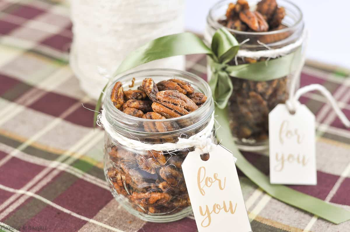 Pumpkin Spice Pecans in gift jars with tags