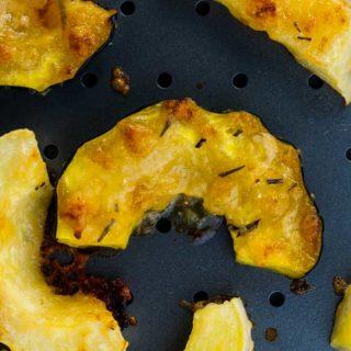 Garlic Parmesan-Crusted Roasted Acorn Squash