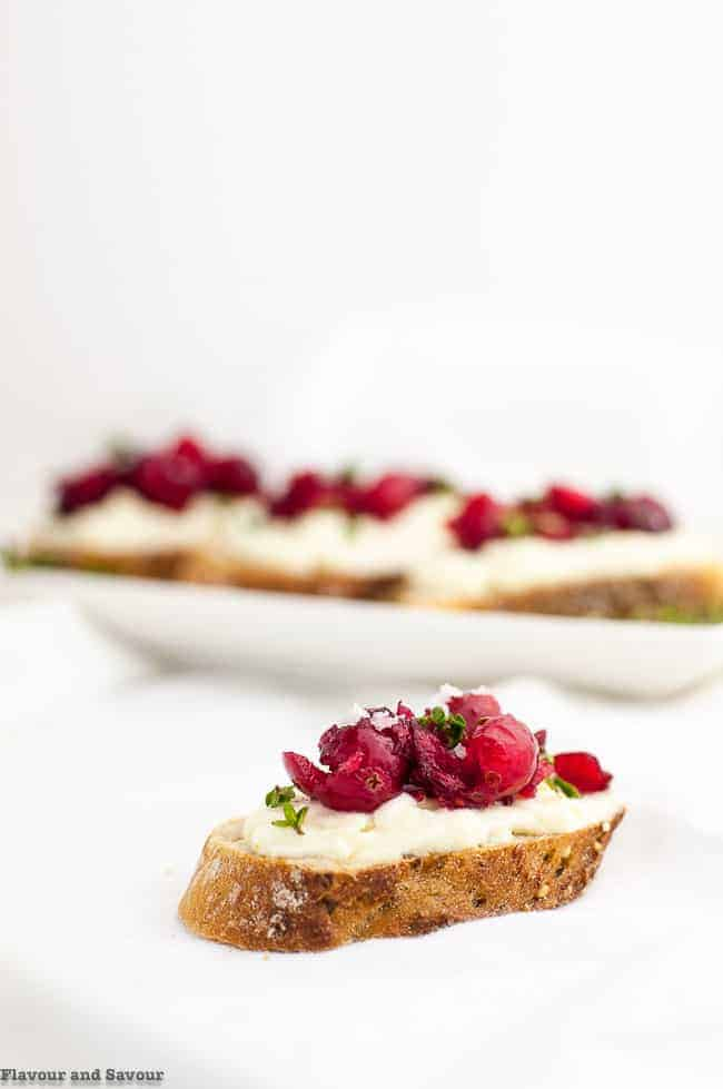 5 Tips for Making Crostini Appetizers - Flavour and Savour