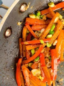 Bell peppers with ginger and garlic