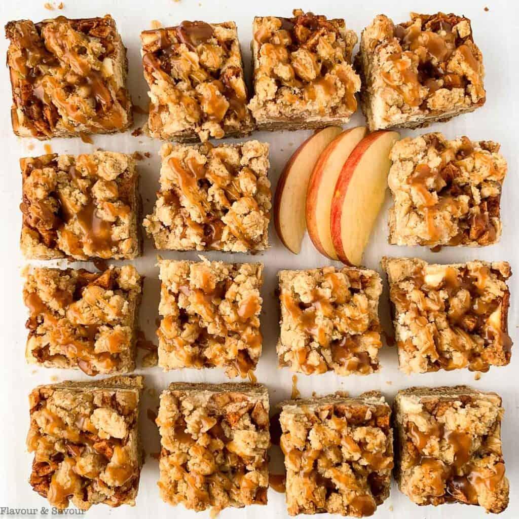 sliced apple cheesecake crumble bars