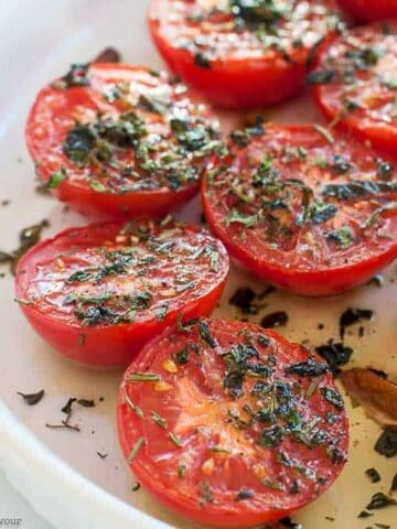 broiled tomatoes with garlic and Italian herbs