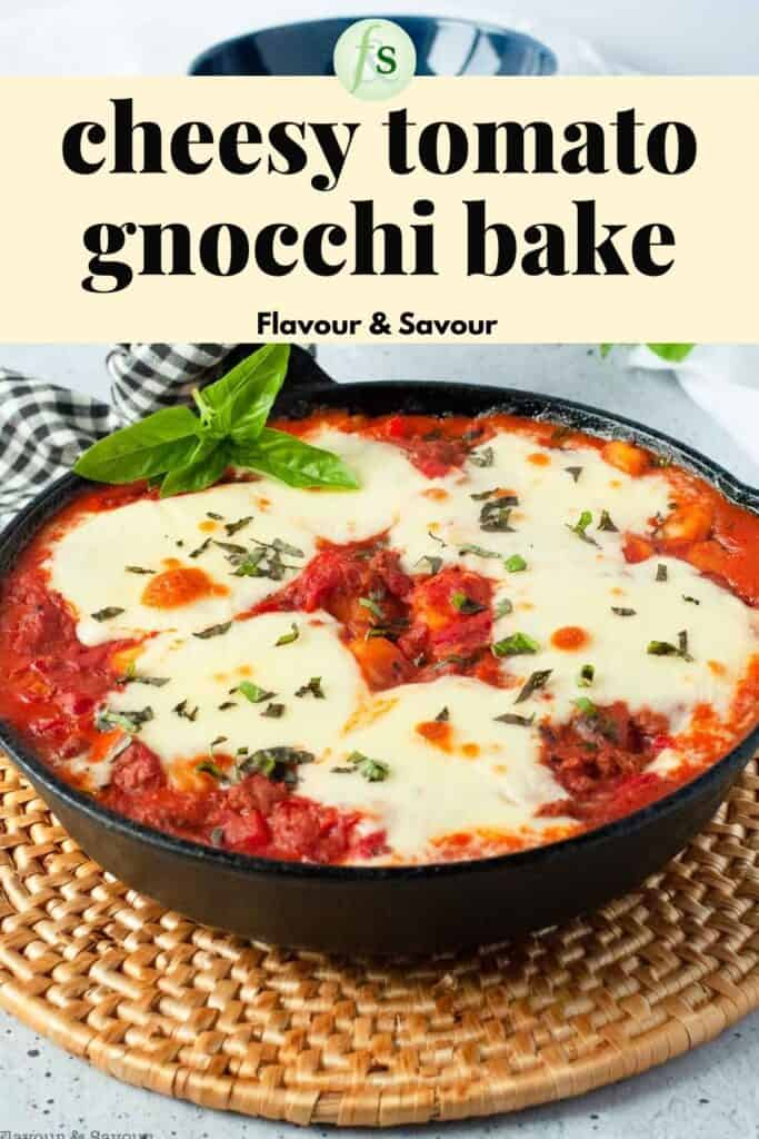 Image with text overlay for cheesy tomato gnocchi bake